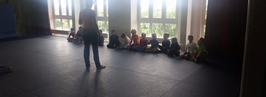 Ana teaching the kids class.