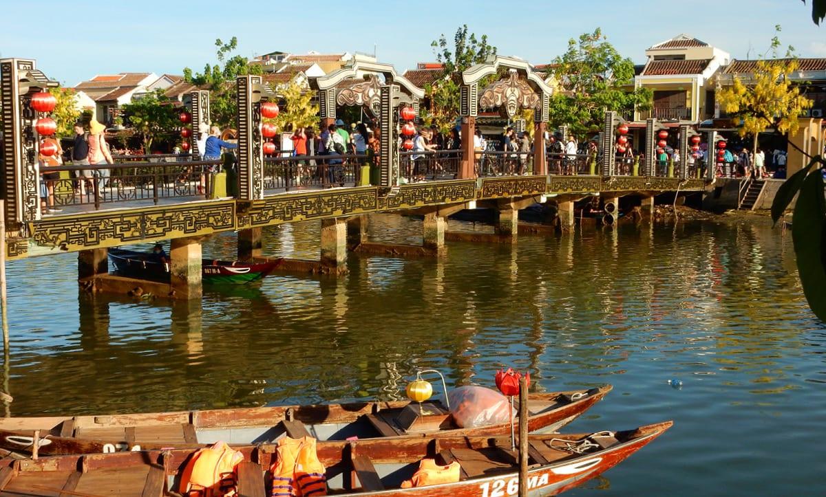 Hoi An, Vietnam: Rivers, boats and bridges